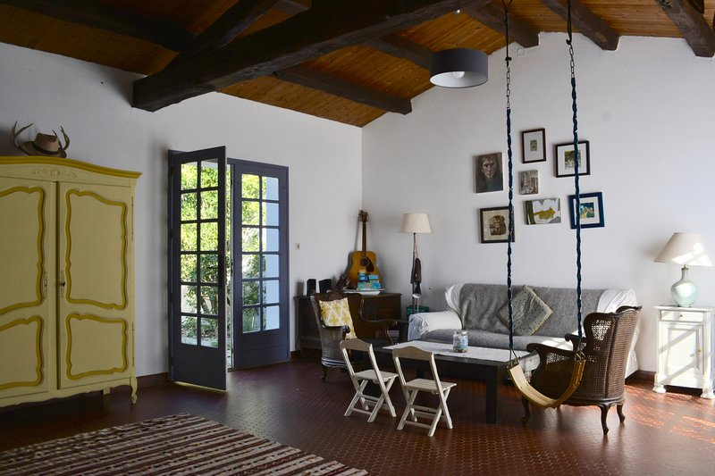 Bohemian chic Family retreat on French island, holiday rental in L'Epine