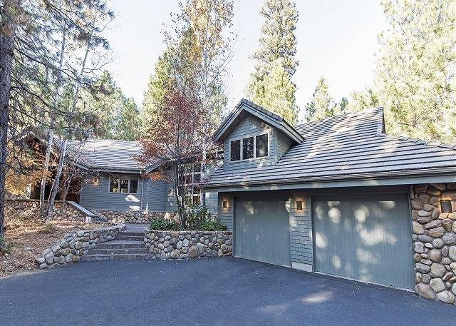 GM#299 Exceptional, Large Four Bedroom Home on Glaze Meadow #12 Fairway, aluguéis de temporada em Camp Sherman