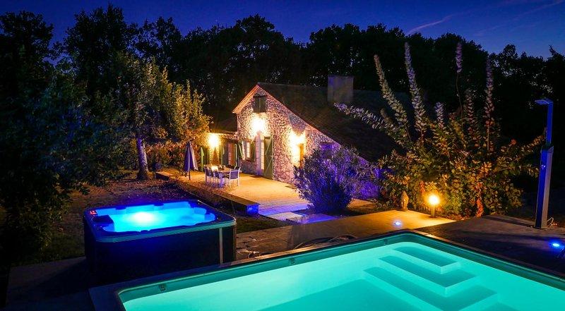 Gîte de la truffiere,Bergerac,Issigeac, Monsaguel Piscine chauffée,Jacuzzi, holiday rental in Saint-Nexans