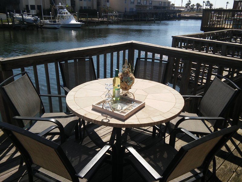 Salt Cay B 3Br Waterfront close to the Beach and Great Fishing!, vacation rental in Corpus Christi
