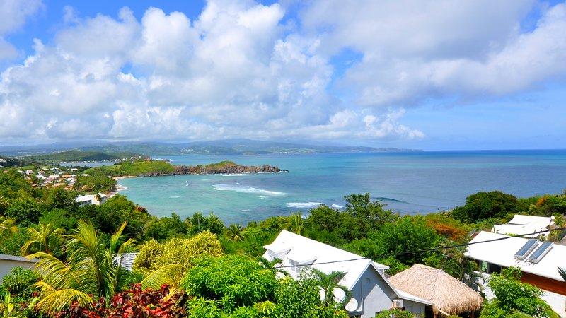Tartane Appartement Villa Caravelle - superbe vue mer - 4 min à pied de la plage, vacation rental in Tartane