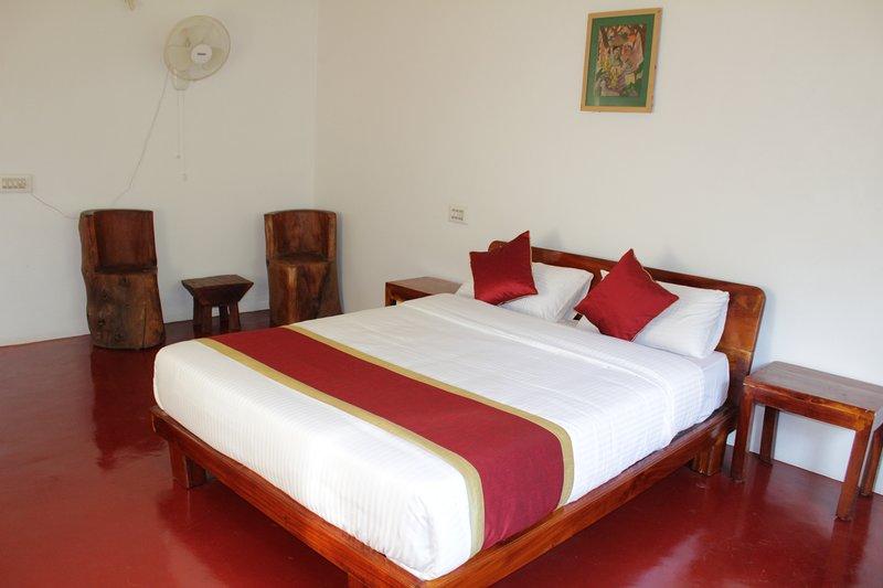 Guddadamane Homestay Estate View Room, holiday rental in Hanbal