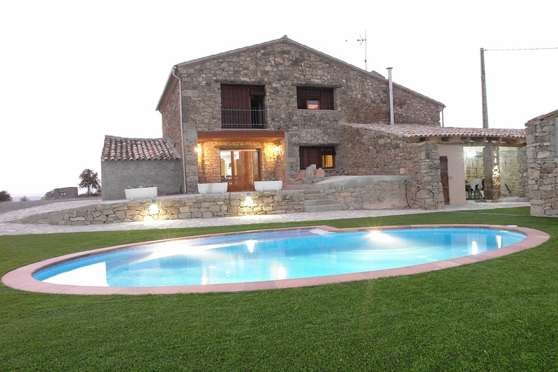 L'Era del Rovira, casa rural cerca de Ponts. Ideal familias y grupo de amigos, holiday rental in Camarasa