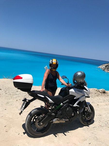 Kefalonia Griechenland: Es gibt viele Möglichkeiten, Kefalonia zu entdecken - genießen Sie eine Motorradtour!