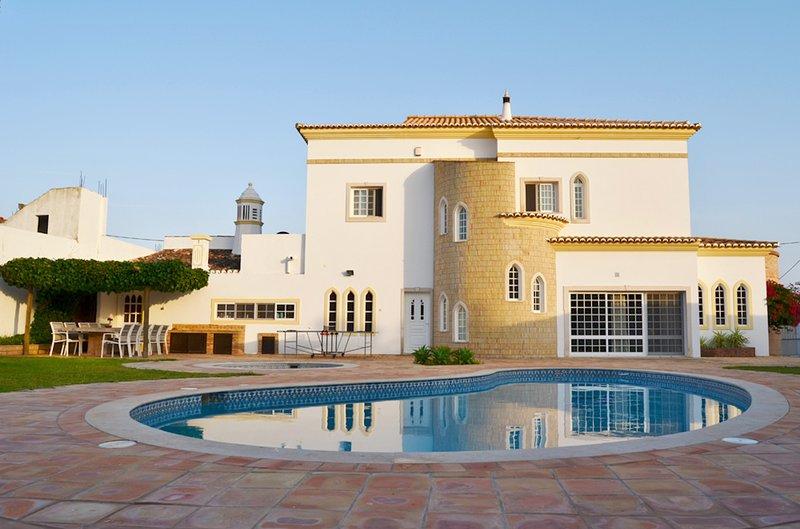 Villa da Silva - Villa with private pool near Albufeira and many beaches, location de vacances à Boliqueime