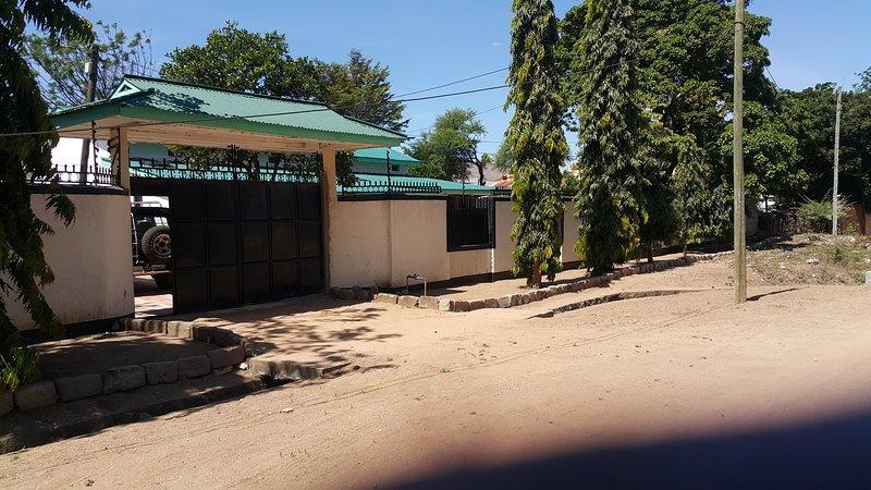 SAFARI HOUSE IN SERENGETI, casa vacanza a Musoma