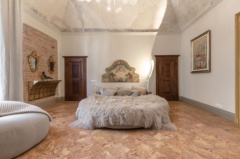 Egodomus Charme Apartments, holiday rental in Stazione di Portacomaro
