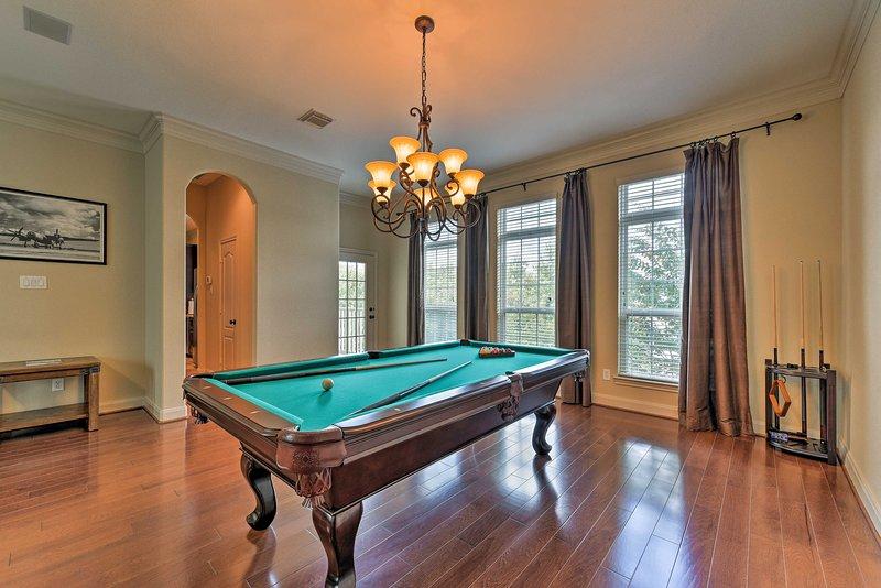 You'll enjoy an array of luxury community amenities on-site!