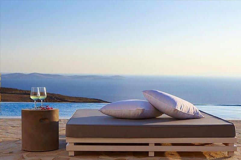 Crystal Light Villa, holiday rental in Faros Armenistis