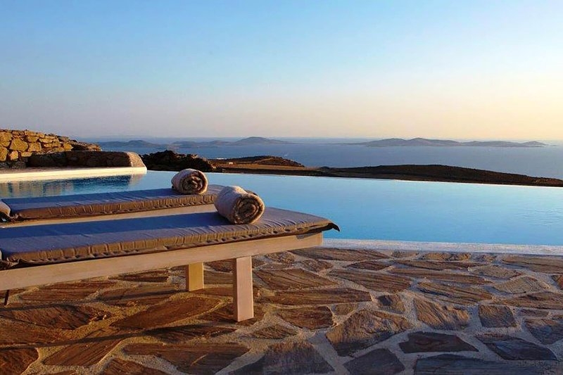 Starlight villa, holiday rental in Faros Armenistis
