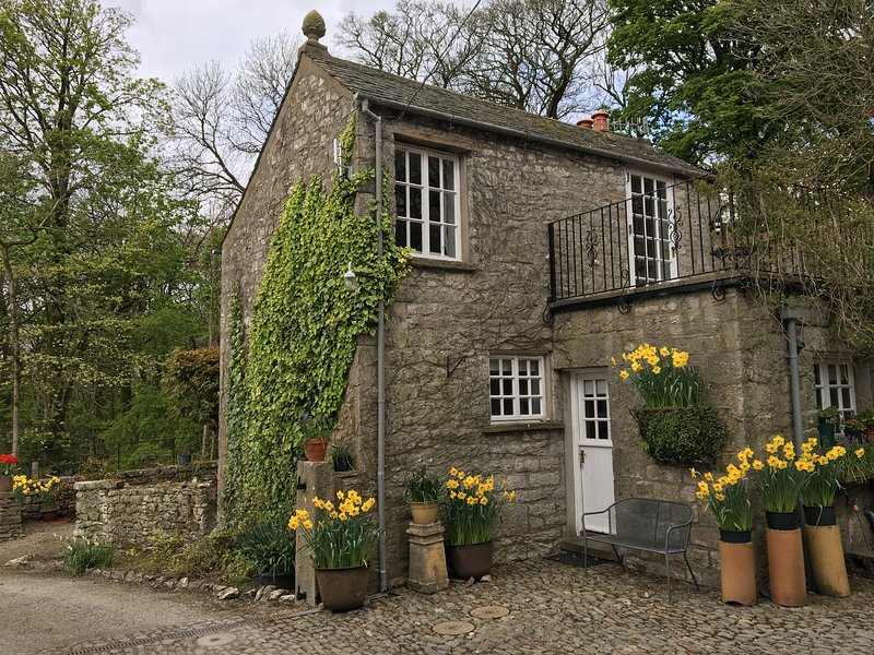 Stable Boys Cottage, holiday rental in Holme