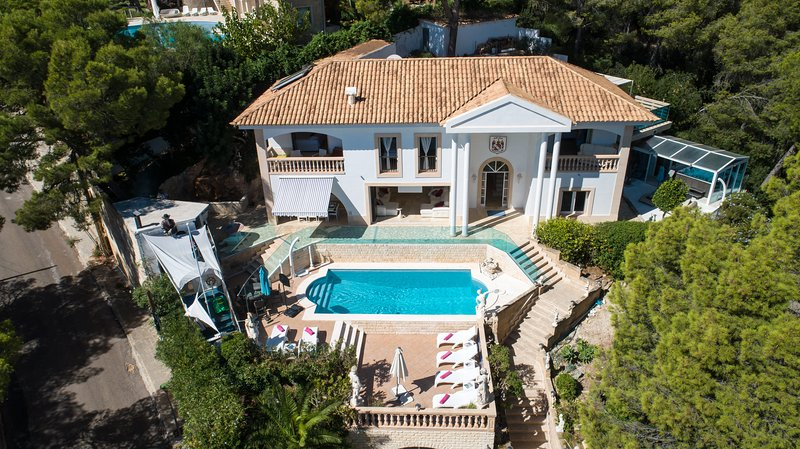ULTIMATE LUXURY FAMILY FRIENDLY SEA VIEW VILLA IN PORTALS  SOUTH WEST MALLORCA, vacation rental in Sol de Mallorca