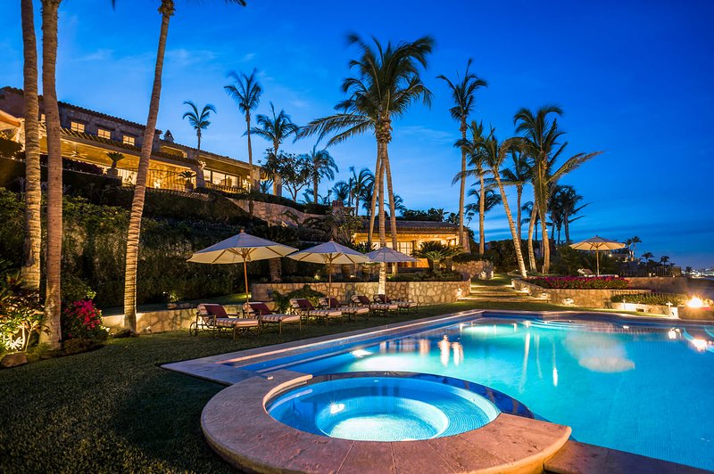With a beautiful, well lit pool and spectacular landscaping that overlooks the beachfront, Casa Koll Estate is perfect for you and your family!