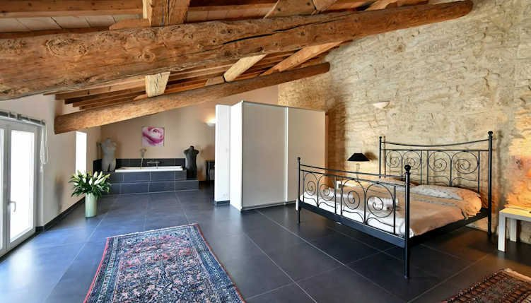 Languedoc rental property with private pool and views sleeps 12, vacation rental in Saint-Thibery