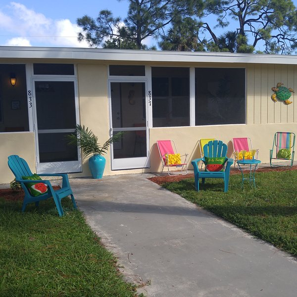 Closest street to Beach -walk or bike! New remodel., holiday rental in Naples