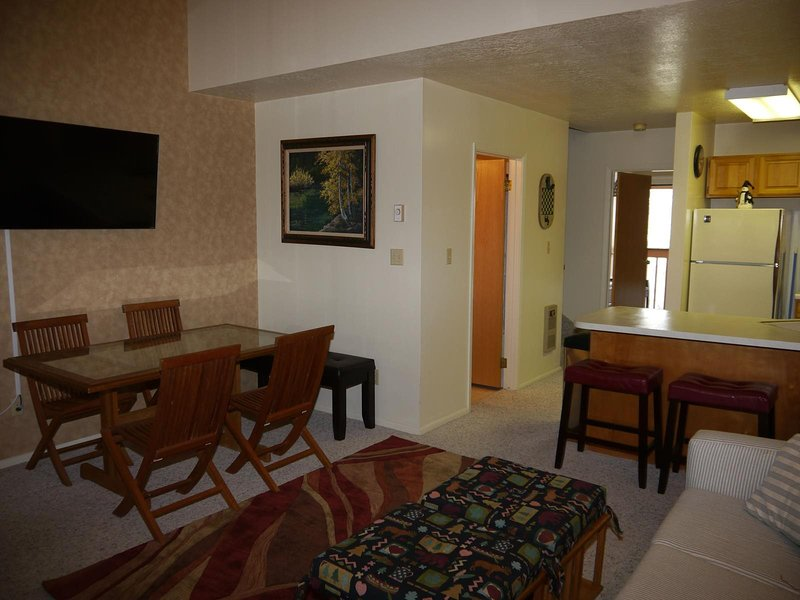 Great location in Eden Utah. Comfortable accommodations with beautiful views of, holiday rental in Brigham City