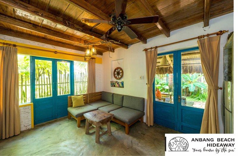 Beach Front Villa, Anbang Beach Hideaway Homestay, alquiler vacacional en Hoi An