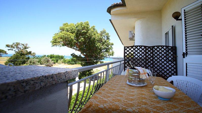 Villa Tigani: 'Calliope' Apartment, vakantiewoning in San Sostene