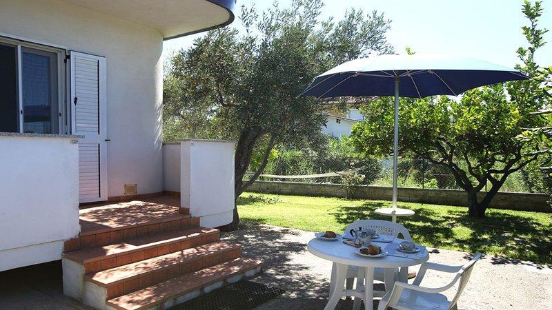 Villa Tigani: 'Pandora' Apartment, alquiler de vacaciones en Davoli