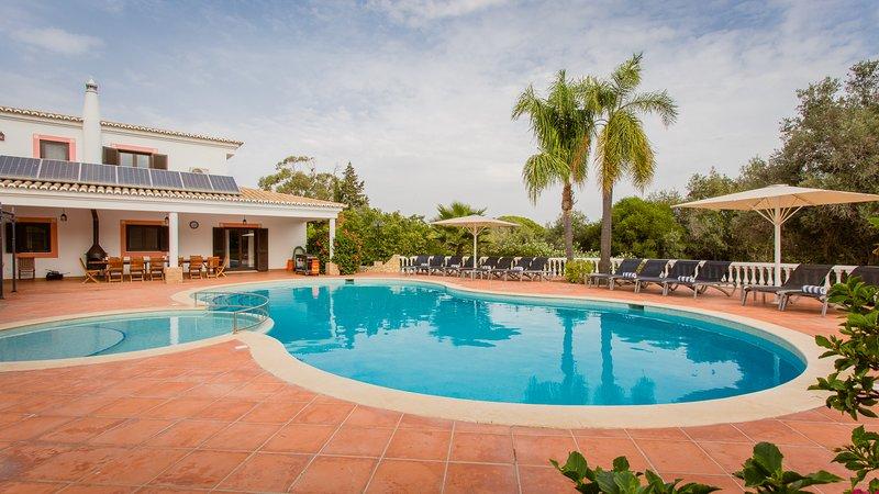 Villa Mouraria - 7 bedroom villa in Carvoeiro, holiday rental in Benagil