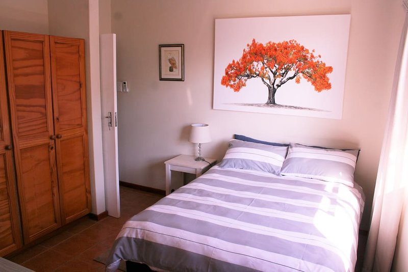 Flame Tree Inn (Bedroom 1), casa vacanza a Mtunzini