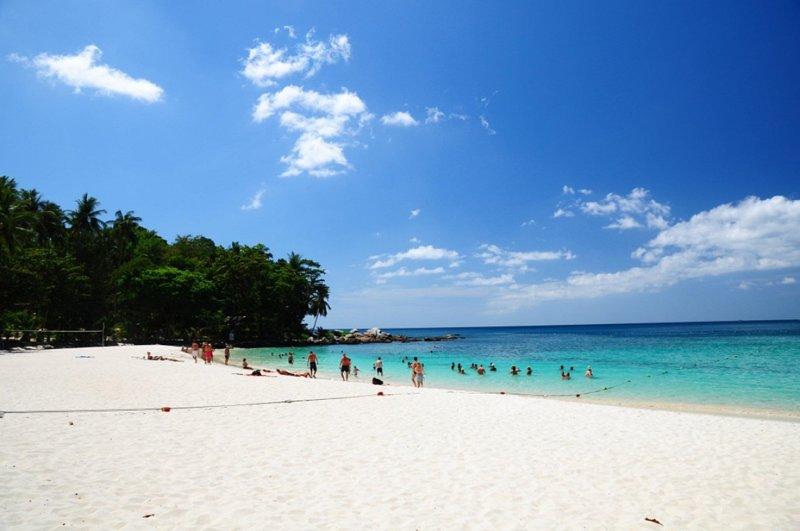 1 bed room 2 minutes walk to Kata Noi Beach, aluguéis de temporada em Kata Beach
