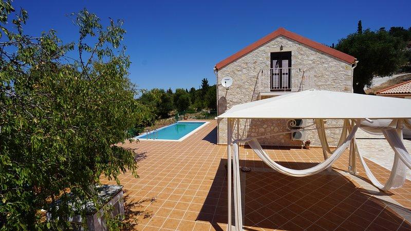 Vista lateral de Villa Antikleia