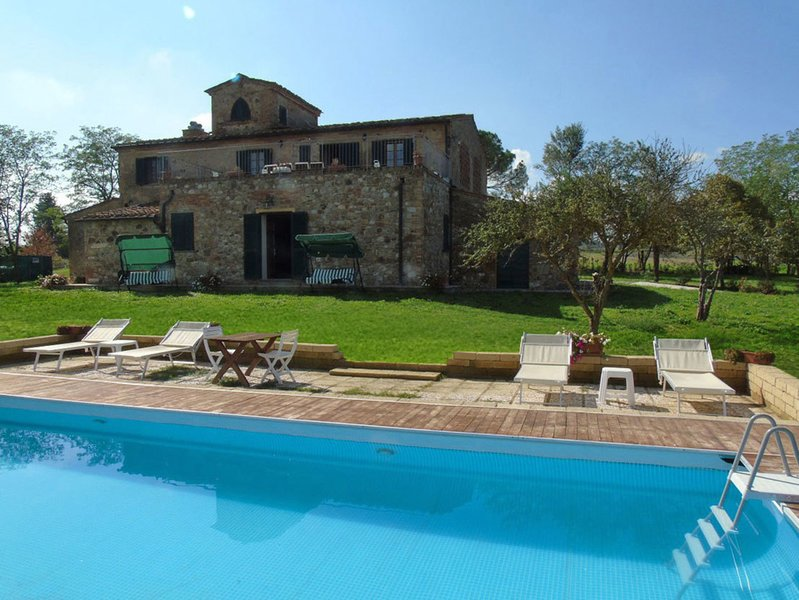 Villa I Sorbi country resort with pool, vacation rental in Lajatico