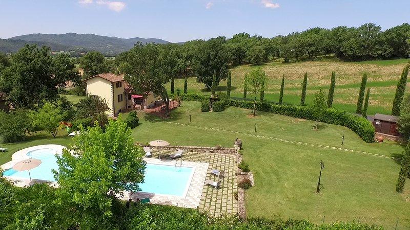 Villa indipendente in Toscana,  con piscina, WI.FI, Air.Cond. Prezzo speciale, location de vacances à Pistrino
