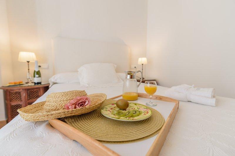 APTO 3 P, CENTRO HISTORICO, 5 MIN ANDANDO ESTACIONES TREN-BUS, WIFI GRATIS, alquiler de vacaciones en Málaga