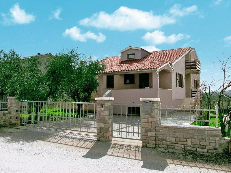 Apartment 2004, alquiler vacacional en Stinjan