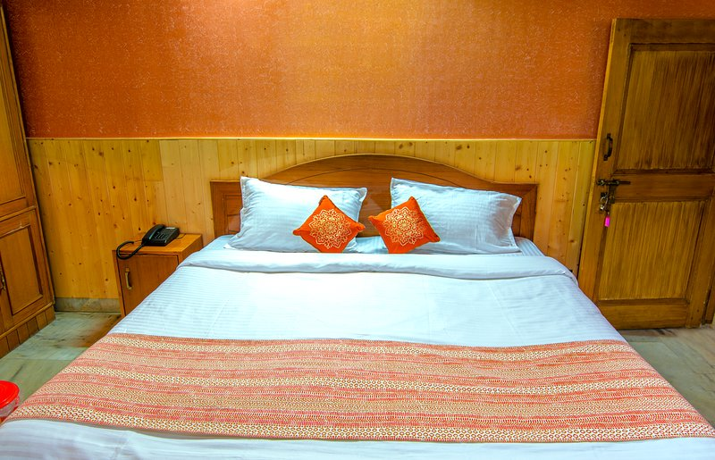 Auro'stay - Mount View Holiday Home - Bed n Breakfast 2, vacation rental in Janedghat