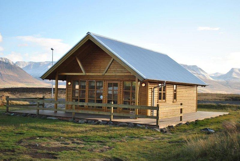 Spacious cottage in North Iceland, vacation rental in Saudarkrokur