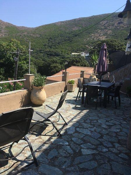 Nice house with garden & terrace, holiday rental in Macinaggio