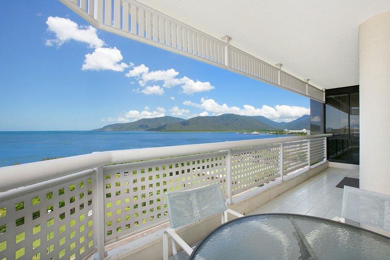 Cairns Ocean View Apartment, aluguéis de temporada em Cairns