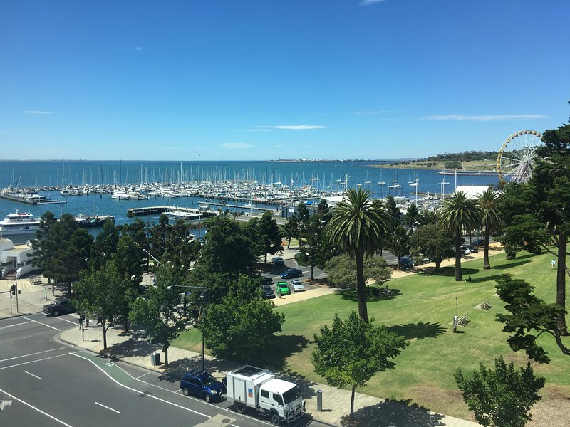 Geelong Waterfront Penthouse Apartment, holiday rental in North Geelong