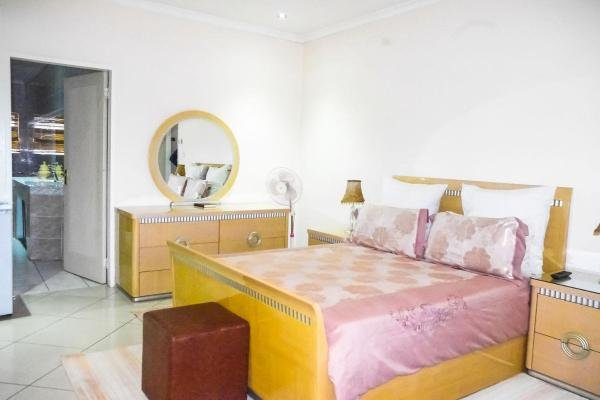 Demonarchy Lodge, vacation rental in Johannesburg