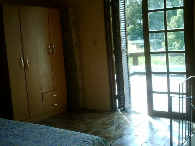 Master bedroom with double bed. It is appreciated exit to the terrace by excellent door window of e