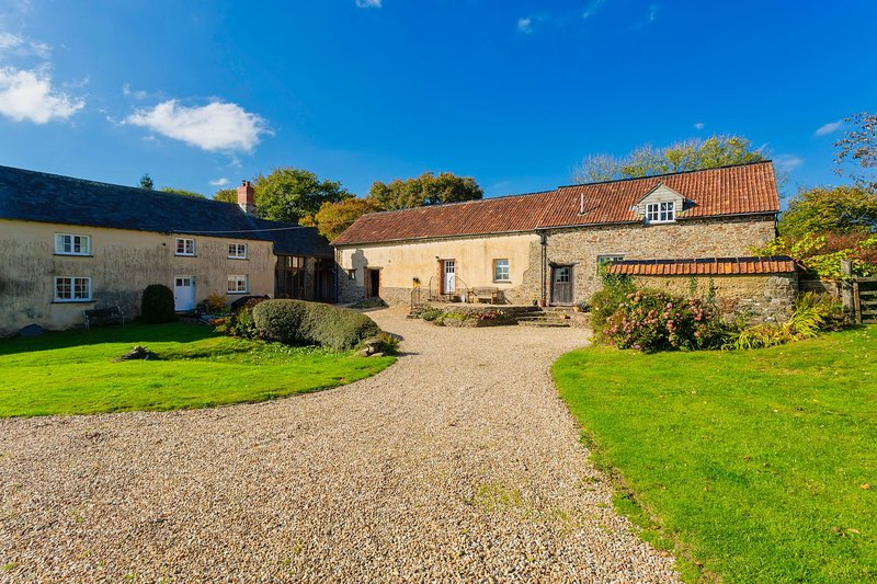 BUCKLAND BREWER COB BARN | 2 Bedrooms – semesterbostad i Bucks Cross