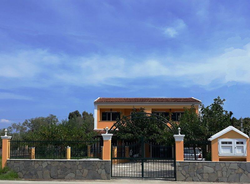 Sunny Garden Apartment, alquiler de vacaciones en Kavos