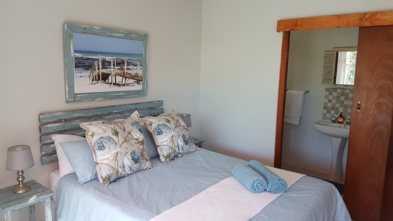 Amazing Grace B&B Whale Room Family unit in De Kelders, Gansbaai, casa vacanza a De Kelders