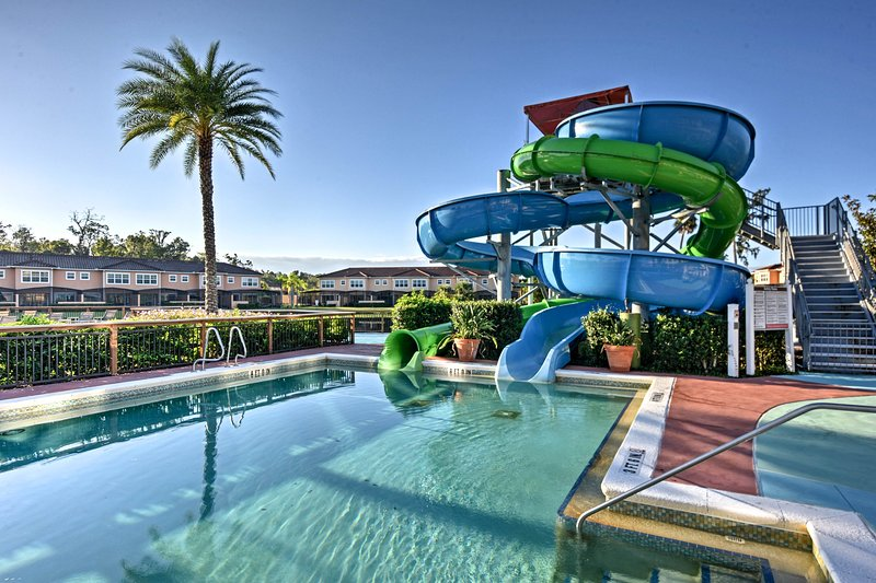 NEW! Resort Townhome w/ Gas Grill, 3 Mi to Disney!, location de vacances à Orlando