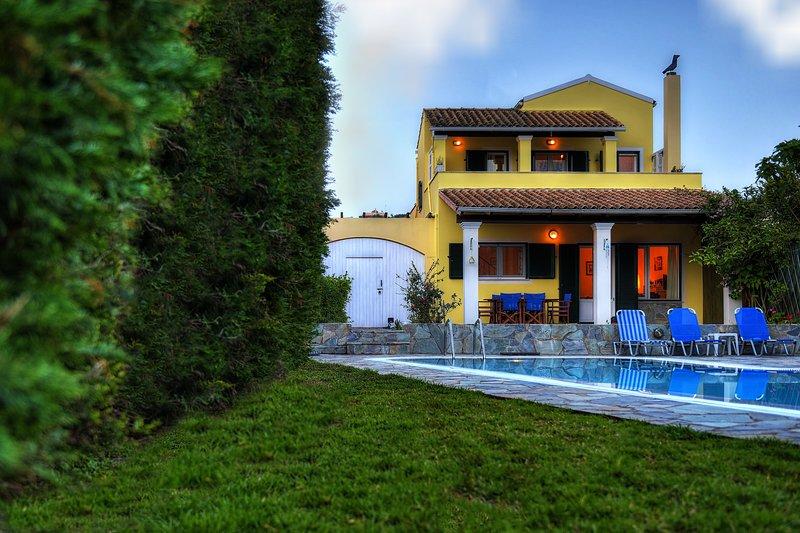 Villa Artemis, location de vacances à Peroulion