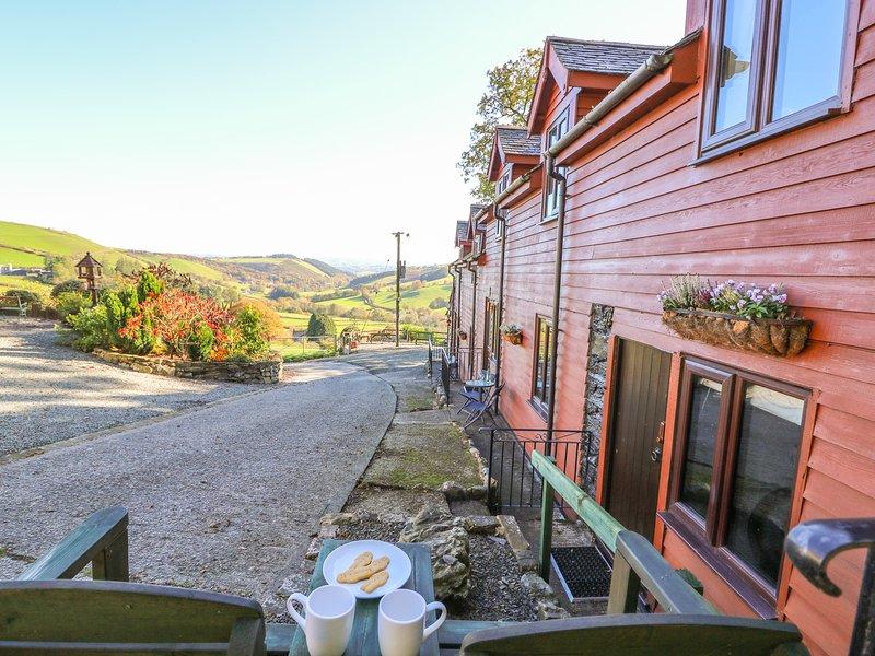 OAK COTTAGE, open-plan, Llanidloes, casa vacanza a Llangurig