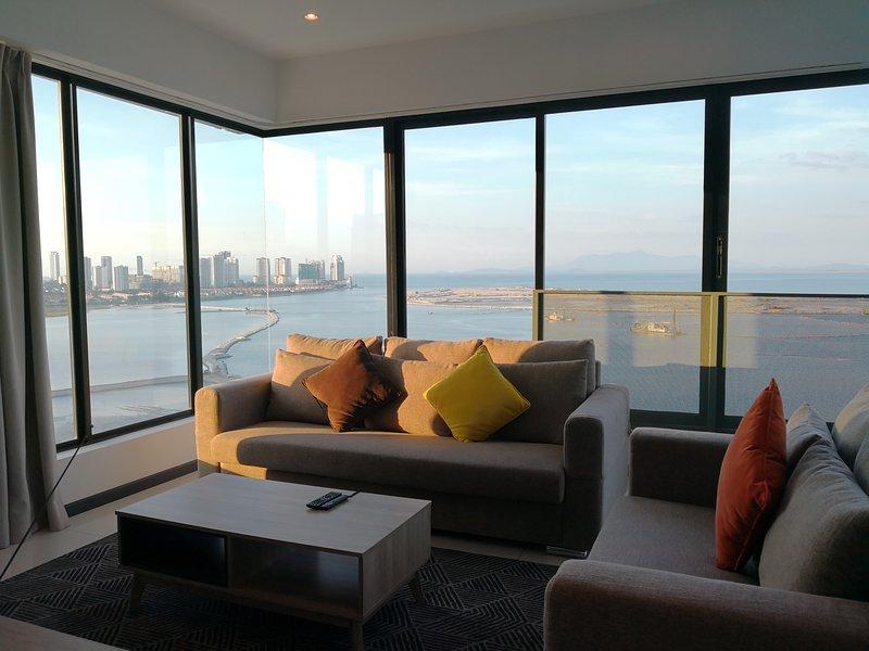 Sunrise Gurney Seaview Duplex 12, holiday rental in George Town