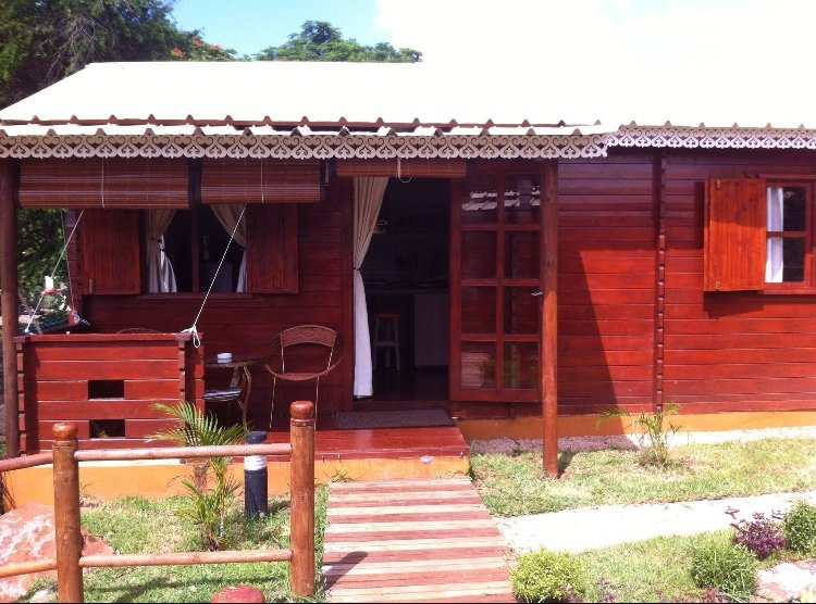Nice house with shared pool & Wifi, alquiler vacacional en Albion