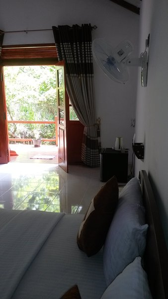 our place is great for spend your vaction very calm.so this is a great place ., holiday rental in Haputale