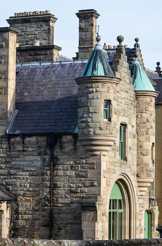 Las cinco torretas, fronteras escocesas