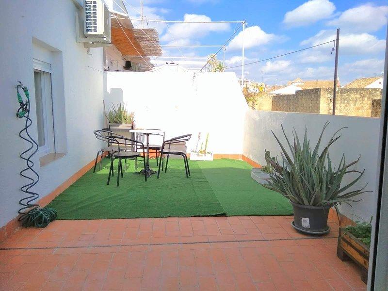 Apartamento en casco antiguo-judería 4 personas, vacation rental in Cordoba