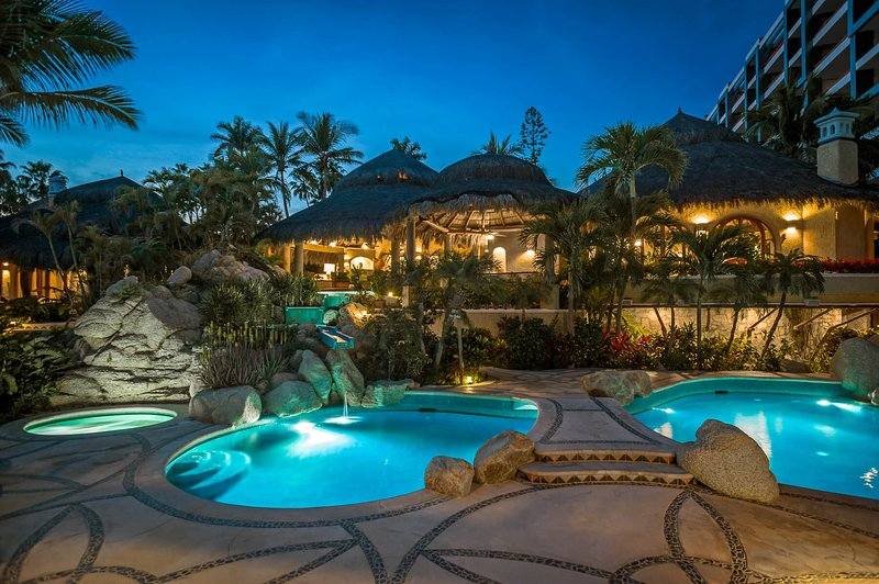 Take in the beautiful Cabo nights along Villa Las Rocas' spacious terrace.